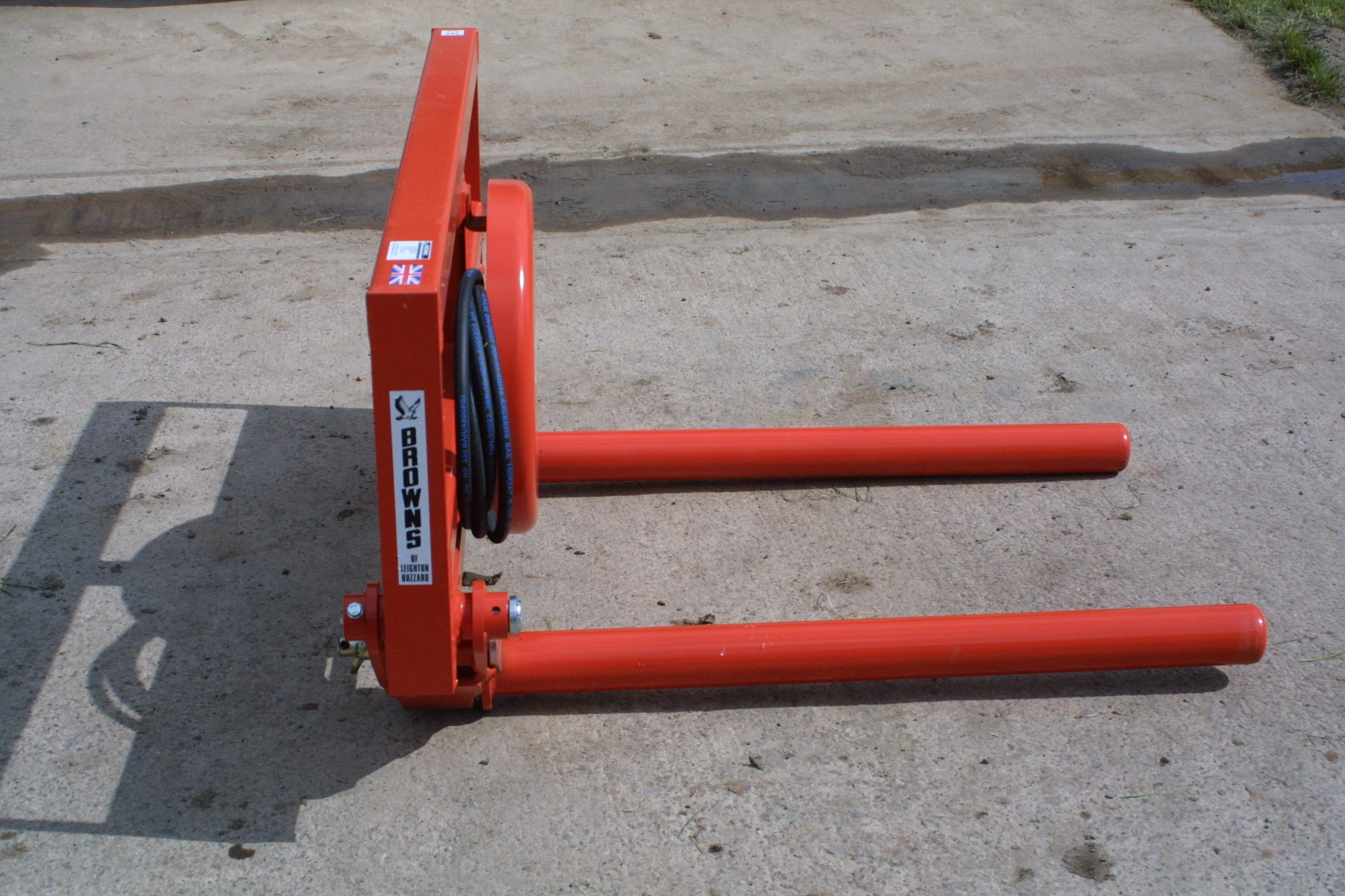 c/w removable rollers and hydraulic hoses