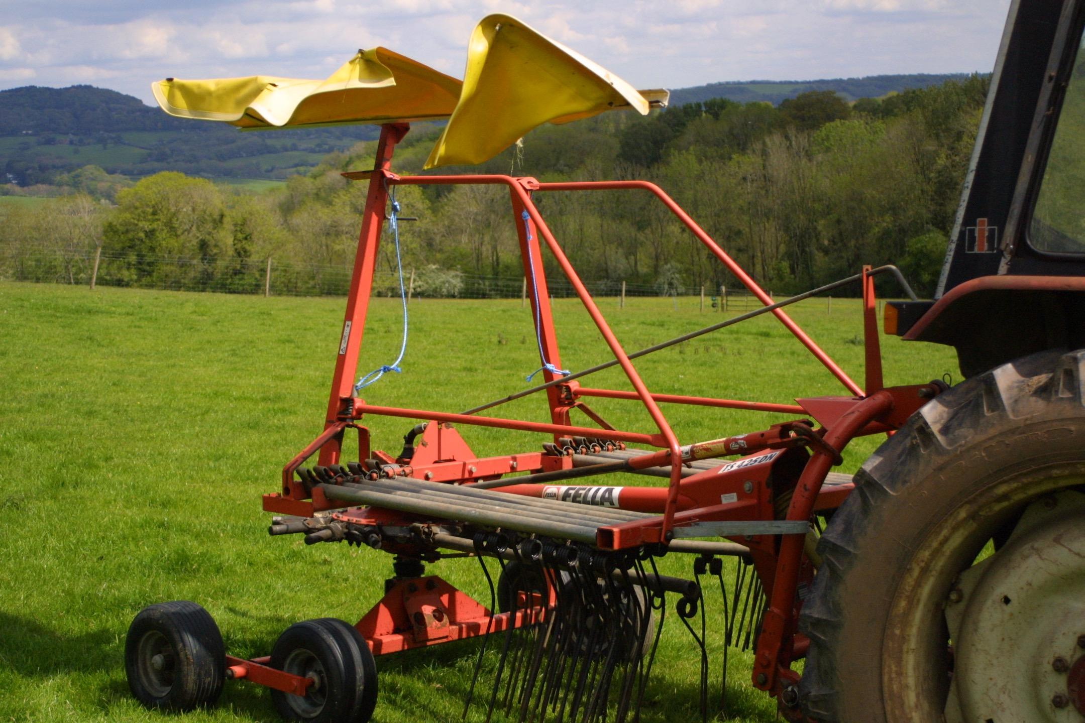 For Sale Fella TS425DN Single-Rotor Rake – Used